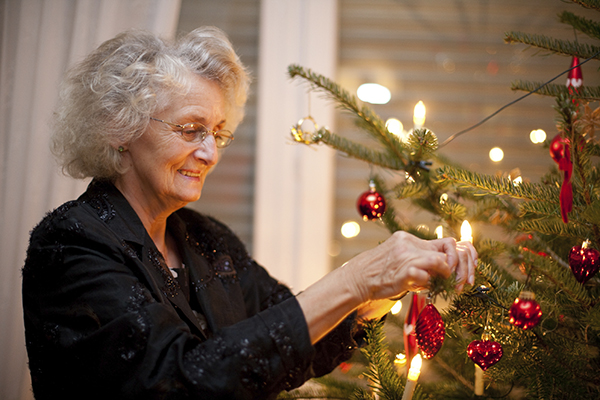 These senior safety tips can help ensure older adults enjoy the holiday season.